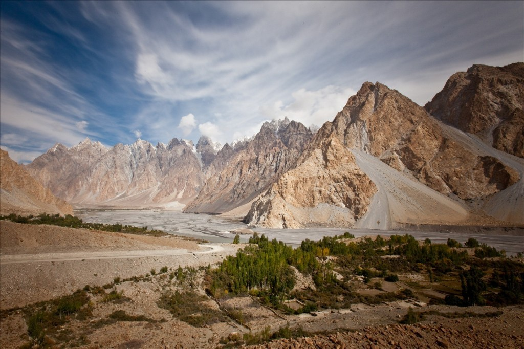 the geography of afghanistan Click or just sit back and watch afghanistan has been an area wrapped in violence, religion and turmoil from its earliest days we hope to to provide a brief history of this region from its earliest days until the taliban take power.